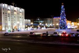 Ёлка на площади Ленина