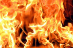 В результате пожара в доме на улице Ленской в Хабаровске один человек погиб и один был травмирован