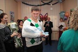Мэр Хабаровска Александр Соколов вручил свидетельство о рождении 600-тысячному жителю Хабаровска