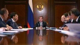 Доклад министра Александра Галушки на совещании по вопросам развития Дальнего Востока под руководством Председателя Правительства РФ Дмитрия Медведева.