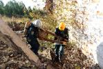Военнослужащие Амурского спасательного центра отрабатывают навык спасения людей, оказавшихся в завалах
