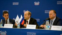 Александр Галушка: «Закон – это не панацея, законопроект – важная вещь, но он является составной частью определенной логики работы Минвосторазвития»