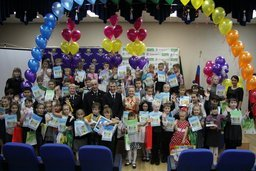 Более 500 детских рисунков «Дорога без опасности» украсят автозаправочные станции в Хабаровском крае