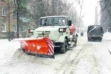 Сегодня днём в соответствии с планом управления дорог и внешнего благоустройства на улицы Хабаровска вышла 141 единица техники