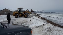 В поселках Охотского района ведутся работы по берегоукреплению