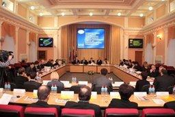 Кадровый потенциал и реформу местного самоуправления обсудили парламентарии со всего края в Хабаровске