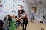 30.12.14 ОАО «Хабаровский аэропорт» поздравило воспитанников детского дома и пациентов детской больницы с Новым годом