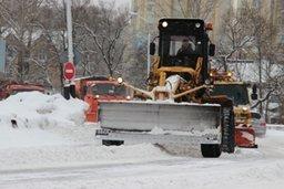 Днём 24 февраля предприятия благоустройства в основном занимаются механизированной очисткой остановок общественного транспорта, карманов, пешеходных переходов