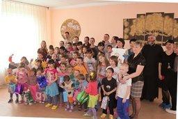 """Волонтерское движение """"Милосердие-ДВ"""" посетило детский дом в п. Хор.Детям..."""