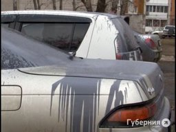 На ул. Бондаря хулиган облил ряды припаркованных машин быстросохнущей краскойин быстросохнущей...