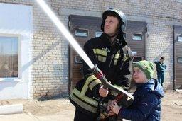 Хабаровские дошколята побывали в гостях у пожарных СПСЧ