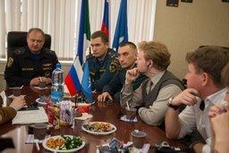 Хабаровские блогеры встретились с руководящим составом Главного управления МЧС России по Хабаровскому краю (фото)