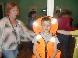 В Хабаровском детском оздоровительном центре «Олимп» проведен мастер-класс по пользованию спасательными средствами на воде