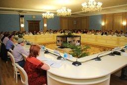 В Хабаровске прошло заседание Совета политических партий и общественных организаций при мэре города