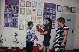 В Хабаровском крае сотрудники ГПН проверяют готовность обшеобразовательных учреждений региона к новому чебному году