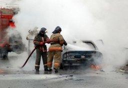В Комсомольске пожарные оперативно ликвидировали загорание автомобиля