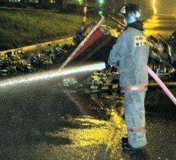 Пожарные ликвидировали розлив топлива, произошедший в результате ДТП