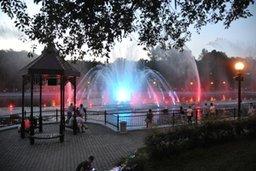 Лазерное шоу и светомузыкальные фонтаны на городских прудах будут радовать хабаровчан и гостей города в дни празднования 70-летия со дня окончания Второй мировой войны