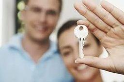 С 2011 года пятьсот шесть молодых супружеских пар Хабаровска улучши-ли свои жилищные условия, став участниками долгосрочной городской программы «Жилье для молодых семей»