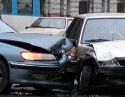 Пожарно-спасательная служба Хабаровска ликвидировала розлив топлива, произошедший в результате ДТП