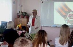 Депутаты краевого парламента поздравили учащихся с Днем знаний