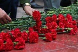 В Хабаровске состоялось возложение цветов к Вечному Огню