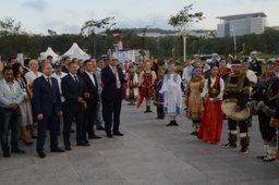 «Улица Дальнего Востока» открыла культурную программу Восточного экономического форума