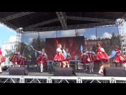 Праздничный концерт на пл. Ленина, посвященный первому сентября