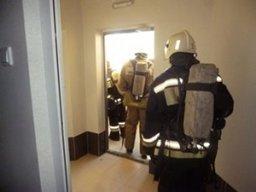 В многоквартирном жилом доме в Комсомольске пожарные тушили лифтовую кабину
