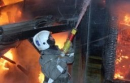 Частную баню и кухню тушили комсомольские пожарные