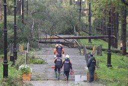 На Сахалине восстановительные бригады оказывают помощь населению по ликвидации последствий циклона