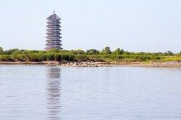Китайская пагода на западной части Большого Уссурийского острова