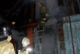 Два пожарно-спасательных расчета тушили дачный дом в садовом обществе в Хабаровском районе