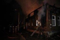 Пожарные ликвидировали загорание двух дачных домов в садовом обществе в Хабаровском районе