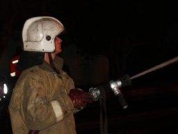 Причиной вызова пожарных в Хабаровске стало загорание в заброшенном киоске