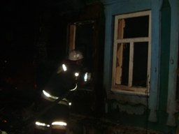 Хабаровские огнеборцы принимали участие в тушении частного деревянного дома