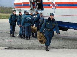 Спасатели готовятся к вылету на Курильские острова в связи с приближающимся тайфуном