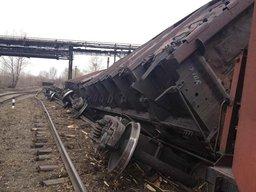 Поезд сошел с рельсов в Хабаровске