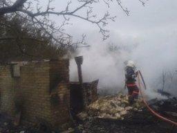 В Комсомольске огнеборцы тушили дачный дом