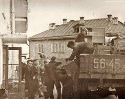 Большинство советских бараков в центре Хабаровска выглядят ужасно - самые настоящие трущобы