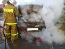 Менее получаса потребовалось пожарным для ликвидации загорания легкового автомобиля в Хабаровске