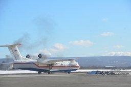 Самолет Бе-200 МЧС России вновь вылетел на авиаразведку в район поиска плашкоута