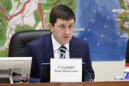 Депутат Борис Гладких рассказал жителям п. Ванино о нюансах жилищного законодательства