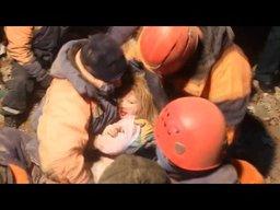 Спасение двухлетней Софьи из-под завалов дома