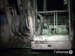 Ночью в Центральном районе сожгли экскаватор