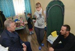 Вячеслав Шпорт встретился с пострадавшими в результате взрыва в поселке Корфовский