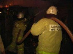 Три пожарных расчета тушили надворные постройки в поселке Князе-Волконское
