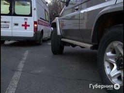 На улице Волочаевской автолюбитель «Тойота Лэнд Крузер» насмерть сбил женщину, которая вела через дорогу двухлетнюю внучку