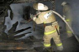 Пожарные выезжали на тушение дачного дома в садовом обществе «Стройконтейнер»