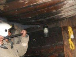 Пожарные тушили одноэтажное нежилое здание на улице Шелеста в Хабаровске
